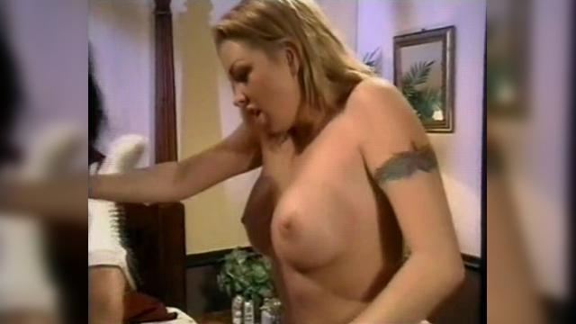 Milf shows young girl