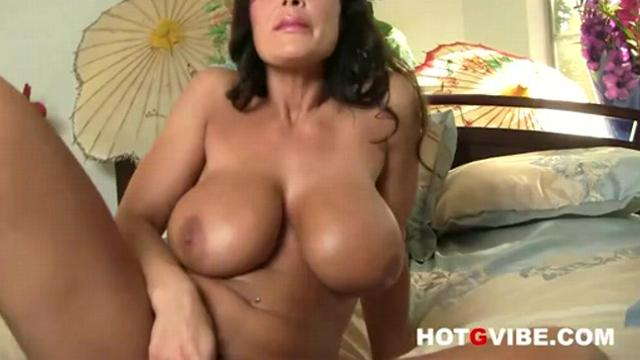 Lisa Ann Pussy Play Close Up