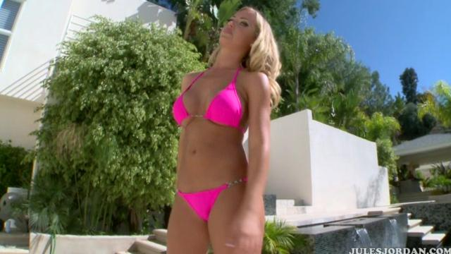Nicole Aniston Blonde Takes On A Big Cock [JulesJordan] (2013) [HD]