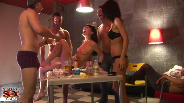 [Student Sex Parties] ssp4003 Crazy Student Punch