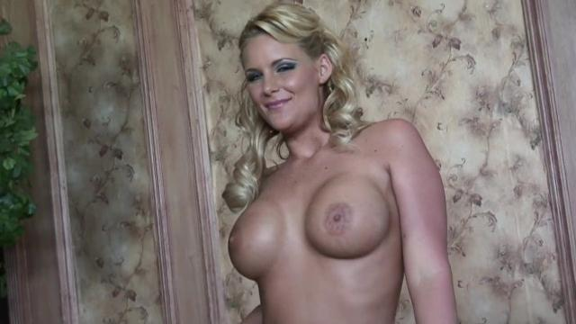 Phoenix Marie [PornNakedGirls] The Biggest Asset