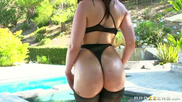 Jennifer White, Jodi Taylor (Double the Oil, Double the Ass)