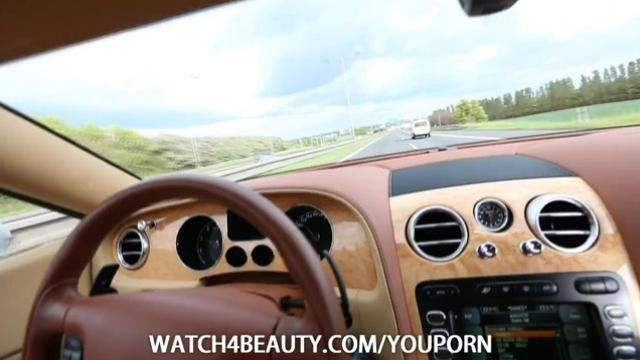 W4B Mia Masturbating in Bentley