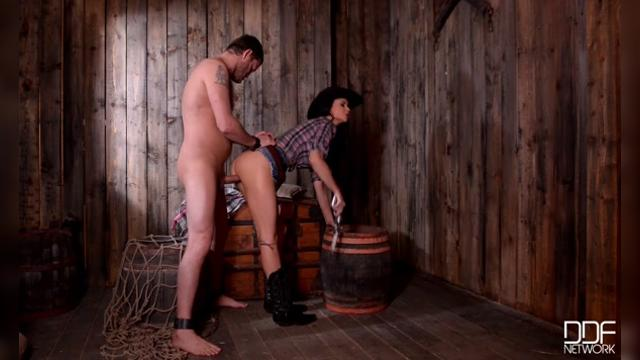 Jasmine Jae enjoying her prisoner part 2