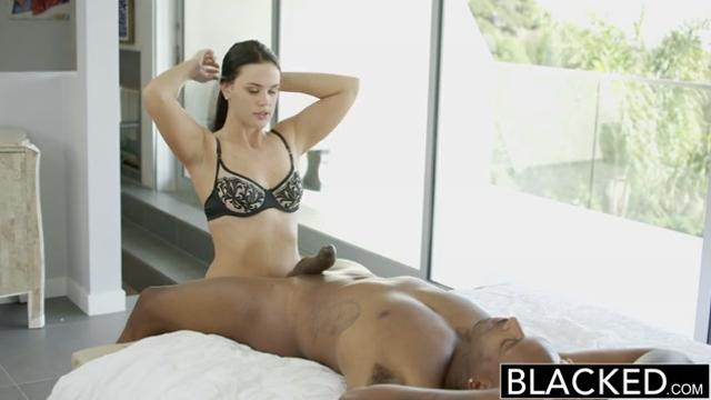 Roxy Raye / Hot Babe Gets Her Butt Stretched By BBC (2015)
