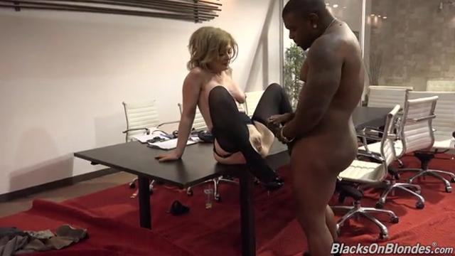 [Blacksonblondes] Nina Hartley (Hillary Earns The Black Vote