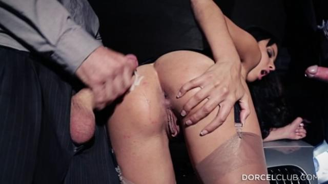 Anissa Kate Anissa gave herself to 3 men in front of her h