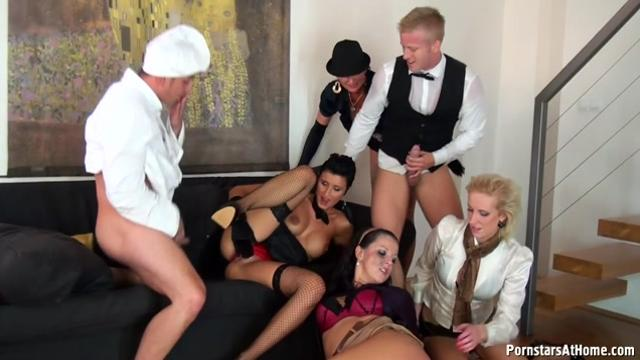 Gabrielle Gucci & Valentina Ross Gourmet Piss Bang Part 2