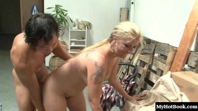 Jocelyn is a MILF who has a very nice pair of firm knockers,
