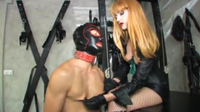 Lady Valente best femdom, pump cock and handdomination
