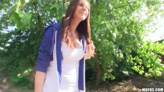 PublicPickUps Two in a Row Iva, Veronika