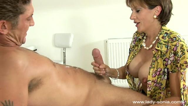 Lady Sonia Deep Penetration In Pantyhose (fp2)