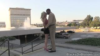 Blacks On Blondes com Tara lynn foxx