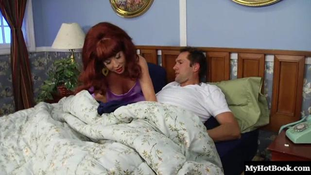 Peg is in bed with her husband, Al. Shes begging for his