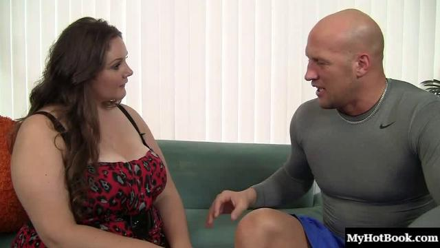 Joslyn Underwood loves bald guys, so when she sees the guy thats interviewing