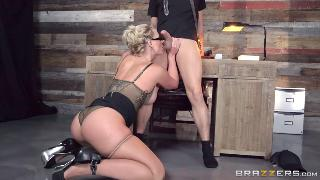 Phoenix Marie (Breaking And Entering And Insertion 03.08.16