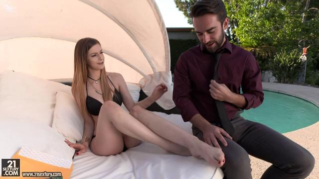 Stella Cox, Logan Pierce Feet First