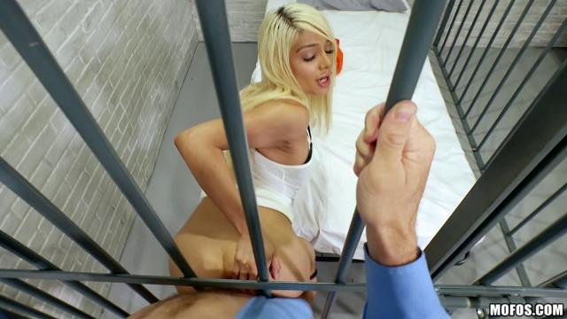 Elizabeth Jolie Nasty Blonde Bangs Dude