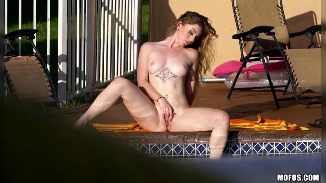 Daisy Chainz Student's Wet Pussy