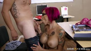 Anna Bell Peaks (Sexy Pictures Worth A Thousand Words)