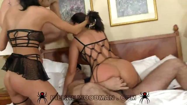 [WoodmanCastingX] Nikki Waine, July Sun (Hard Gang Bang wi
