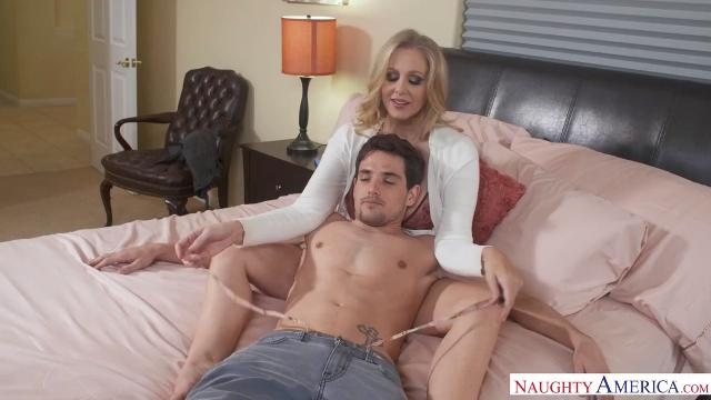 Julia Ann Hot Sexxxy 7